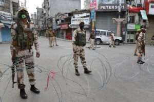CRPF personnel during lockdown in J&K