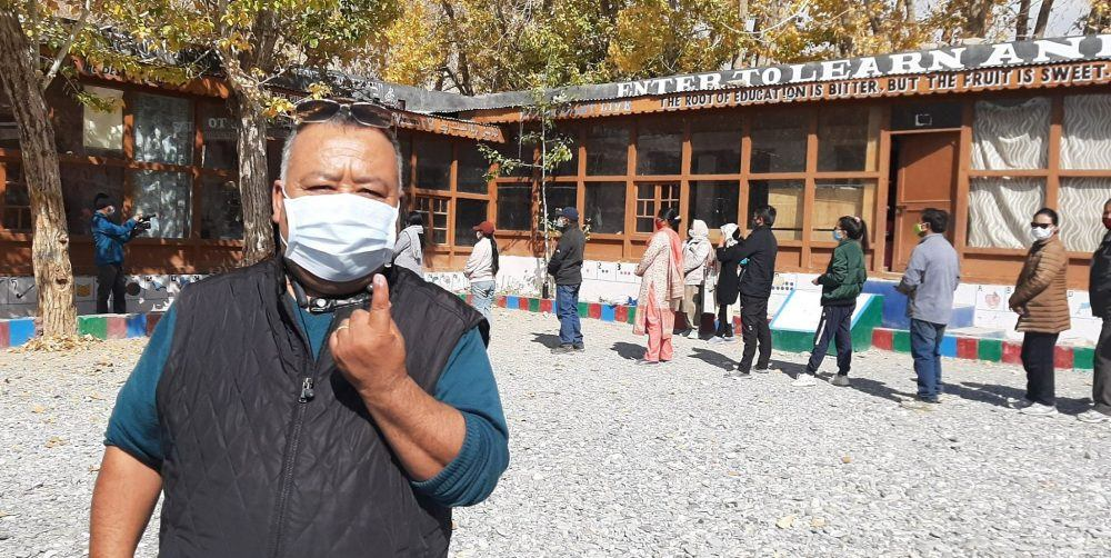 Ladakhi voter during LADHC leh polls